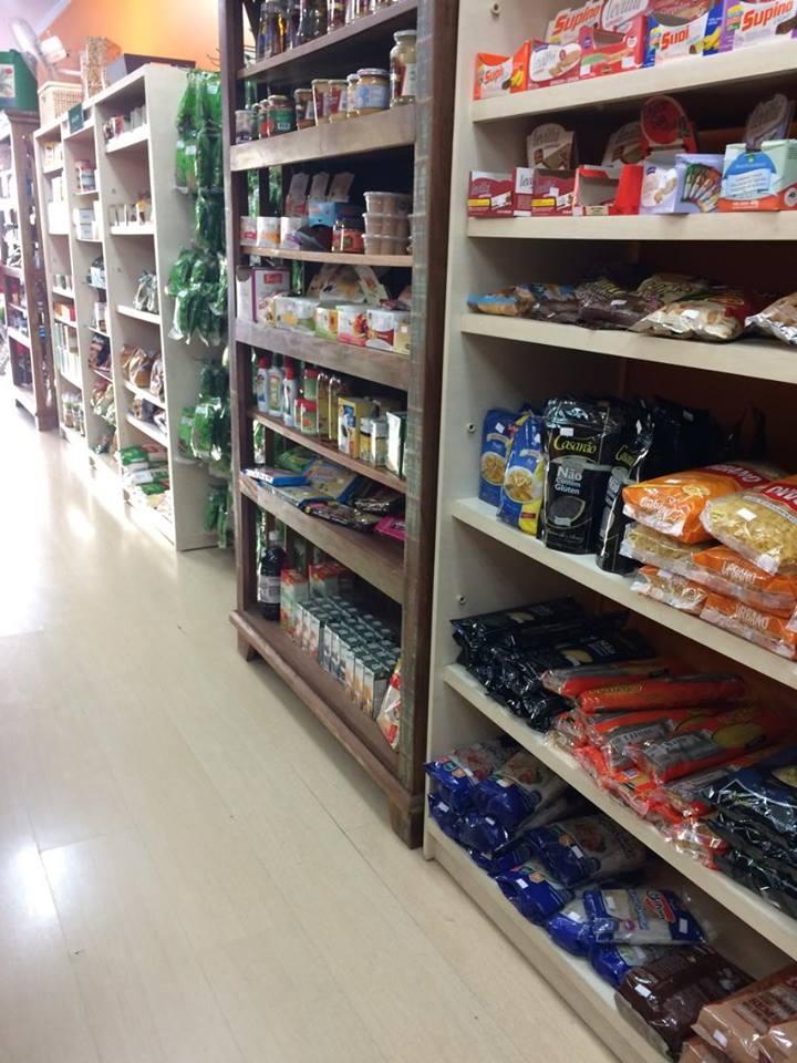 Loja de produtos sem glúten - Além do Natural - prateleira macarrão