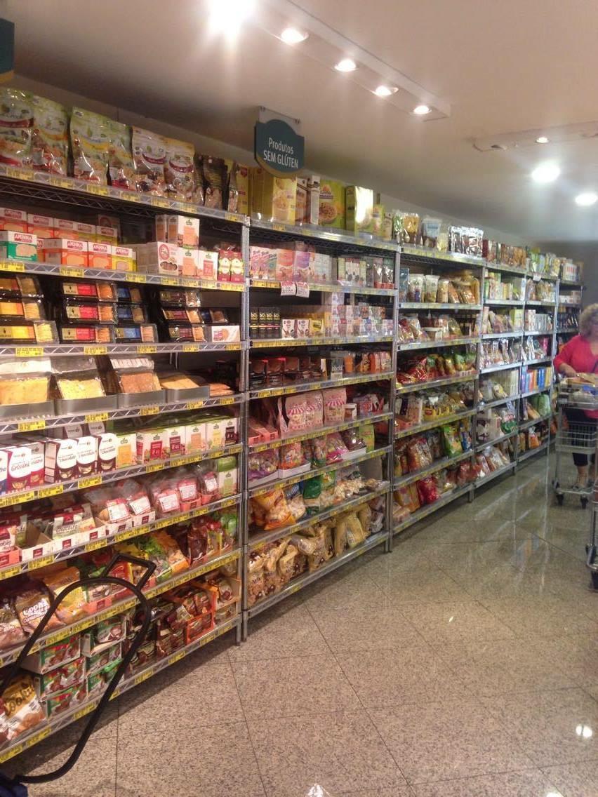 Casa Santa Luzia, loja de produtos sem glúten Prateleira de produtos sem glúten