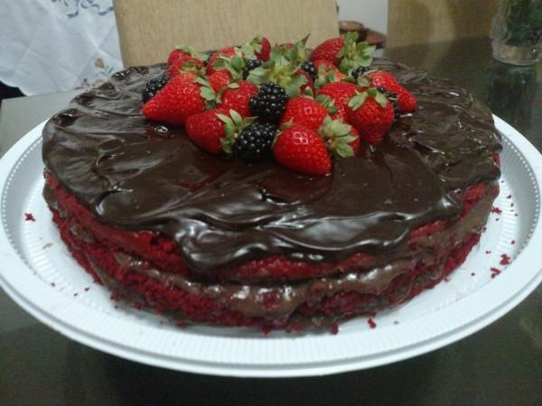 ZIZI Gluten Free Bakery bolo de chocolate&frutas vermelhas sem gléten