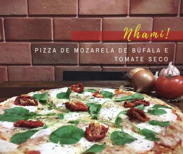 Nhami Pizza pizza de mozarela de búfala e tomate seco sem glúten
