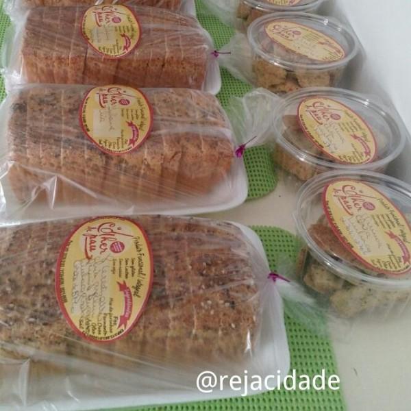 """Pães integrais e funcionais com """"FOS"""" e fermento natural de kefir sem glúten Colher de Pau"""