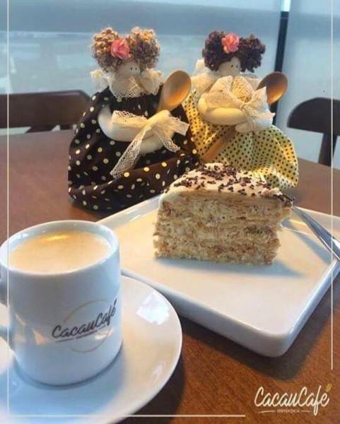 Cacaucafé Conviniência Café com bolo palha sem glúten