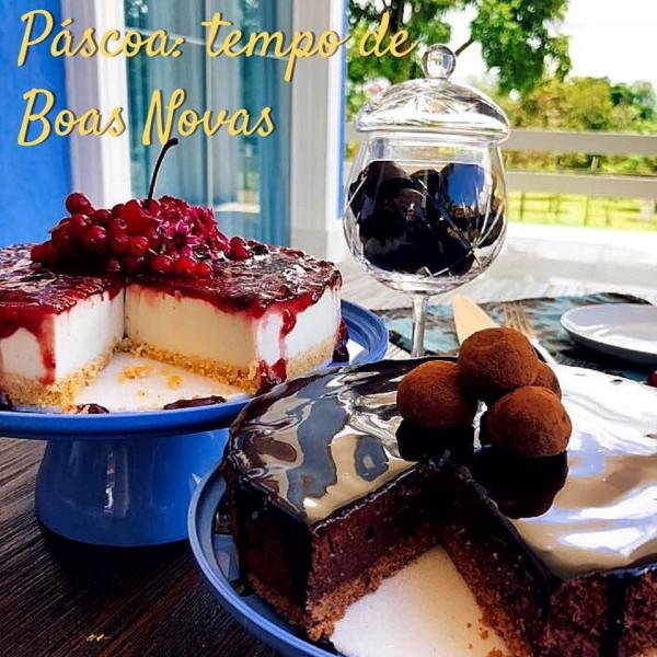 Maria CozinhaTorta de castanha de caju e geléia de frutas vermelhas e torta mousse de chocolate belga sem glúten
