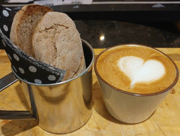 MOOD Cafeteria Gluten&Lac Free Ciabatta de Batata Doce & Cappuccino sem glúten