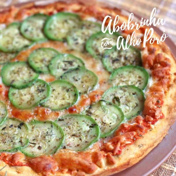 Pinoli Pizza de abobrinha com alho poró sem glúten