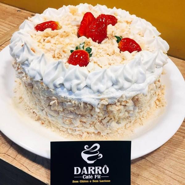 DARRÔ Café Fit Bolo de Morango com Suspiro zero caseína e sem glúten