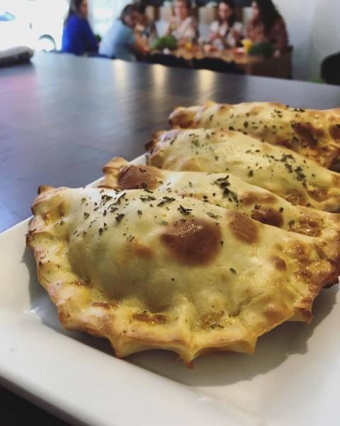 Salsa Garni, restaurante sem glúten em Paraná, pastel assado sem glúten