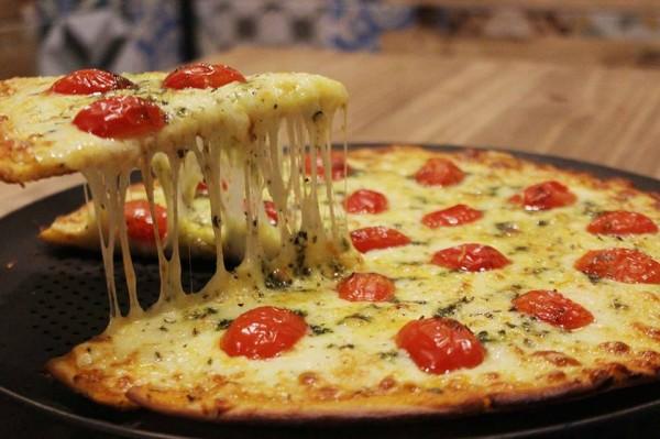Ballon Rouge Pizzaria Pizza Marguerita especial sem glúten