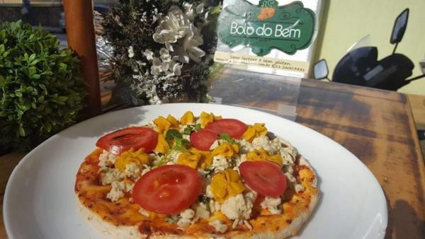 NCG - BOLO Do BEM: Pizza sem glúten / lactose. Não contém glúten