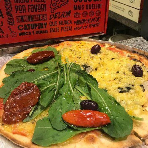 NCG - Pizza For Fun: Pizza broto com dois sabores Sem glúten. Não Contém Glúten