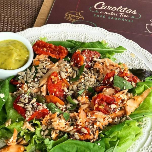 Padaria sem glúten em Brusque (SC)  - Carolitas e Nutri Tice Café Saudável - salada sem glúten. NCG.org