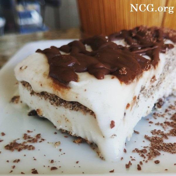 Torta de sorvete de noz de macadâmia com coco sem gluten - Cafeteria sem gluten em Porto Alegre (RS) Semente da Saúde - Não Contém Gluten