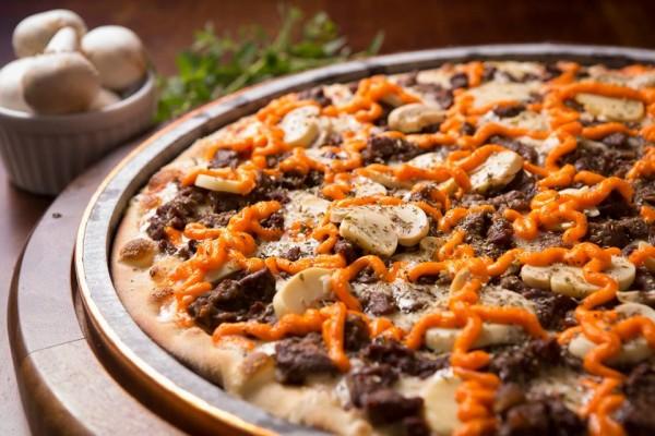 Pizzaria Rigani - Sem Glúten, pizzaria sem glúten em Curitiba Pizza Mignon ao Molho Madeira sem glúten
