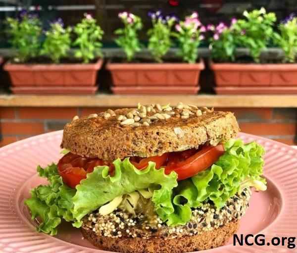 Hambúrguer vegano e sem gluten - Padaria sem gluten em Brusque (SC) Carolitas e Nutri Tice Café Saudável - Não Contém Gluten