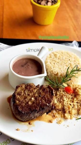 Restaurante sem glúten em Santa Catarina (SC) - Simples Salad - Prato feito sem glúten. NCG.org