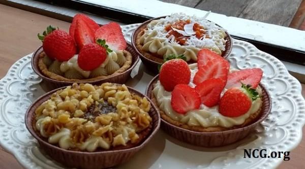 tortas de morango com castanhas sem gluten - Babycake Produtos Especiais : confeitaria vegana natural sem gluten, lactose, caseína, soja e ovos em Curitiba - PR