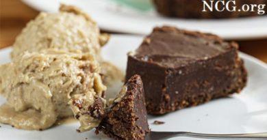 Torta de chocolate sem gluten - A Dora Adora Doces Saudaveis : Doceria sem gluten em São Paulo - SP